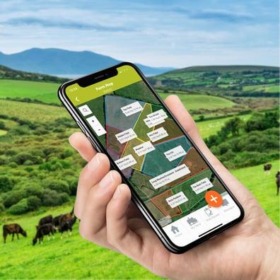 Herdwatch Farm Maps in hand